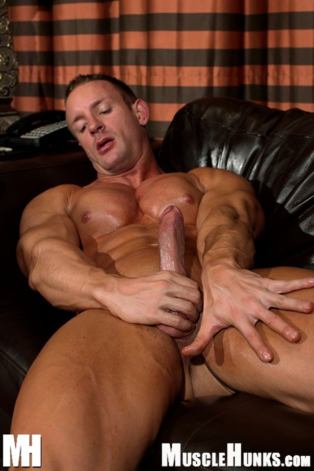tj Cummings Naked Muscle Hunk jerks off shoots Jizz Download full movie torrent Via Facebook