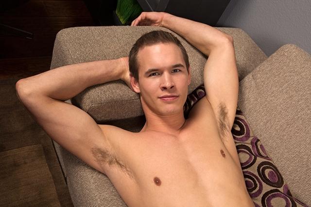 seancody-romantic-dan-04-gay-porn-movies-download-torrent-photo