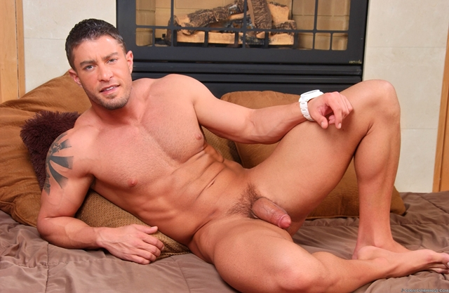 Cody-Cummings-gay-porn-star-ripped-muscle-stud-American-huge-dick-bubble-butt-09-pics-gallery-tube-video-photo