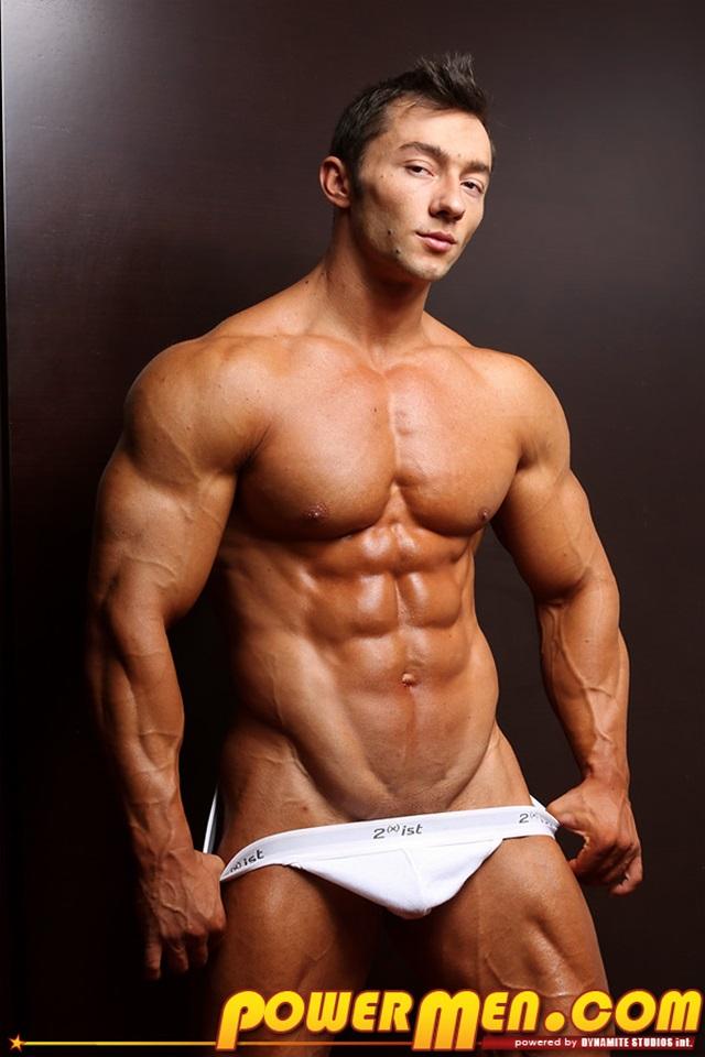 Bodybuilder gay massive