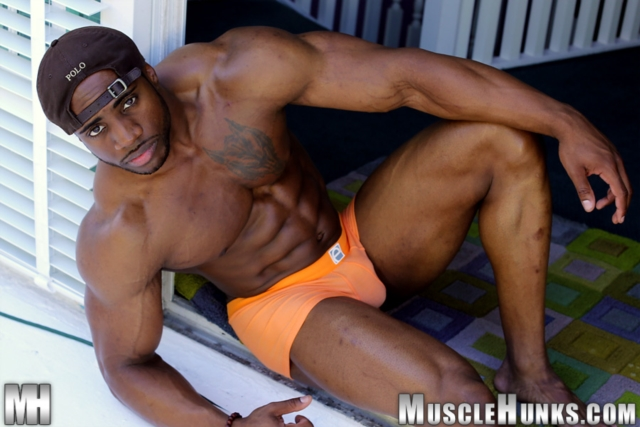 Varik-Best-Live-Muscle-Show-Gay-Naked-Bodybuilder-nude-bodybuilders-gay-muscles-big-muscle-men-gay-sex-04-gallery-video-photo