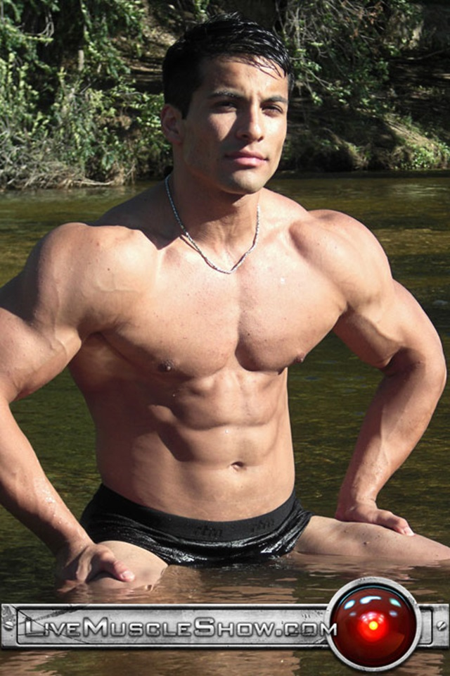 Benjamin jackson muscle porn