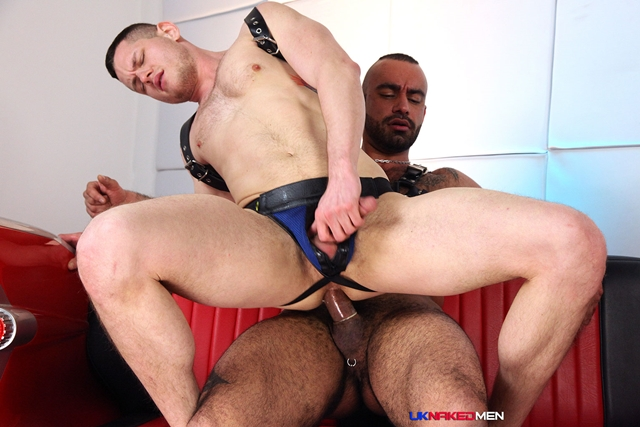 Tony-Thorn-and-Blue-Bailey-UKNakedMen-hairy-young-men-muscle-studs-British-gay-porn-English-Guys-Uncut-Cocks-012-male-tube-red-tube-gallery-photo