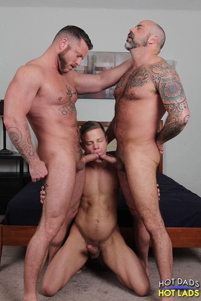 hot-dads-hot-lads-Muscle-daddies-Charlie-Harding-Scotty-Rage-young-blonde-Joseph-Rough-mouth-cock-fucked-008-male-tube-red-tube-gallery-photo
