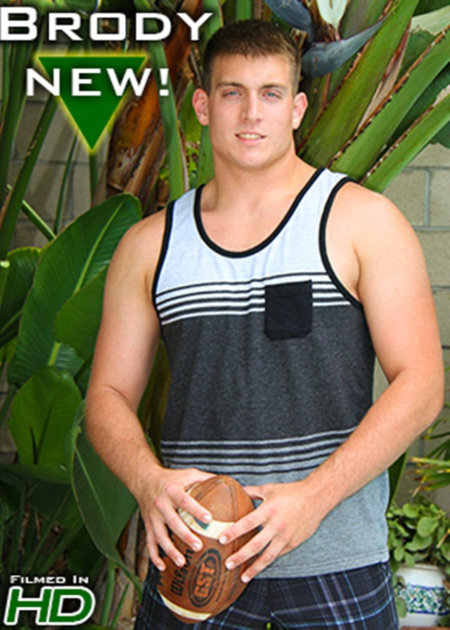 Island-Studs-Brody-21-year-old-college-football-player-muscle-butt-athletic-thighs-naked-hard-dick-002-male-tube-red-tube-gallery-photo