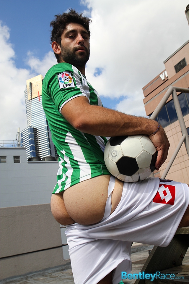 BentleyRace-24-year-old-straight-Adam-El-Shawar-nude-footballer-player-soccer-footie-kit-Bubble-butt-013-male-tube-red-tube-gallery-photo