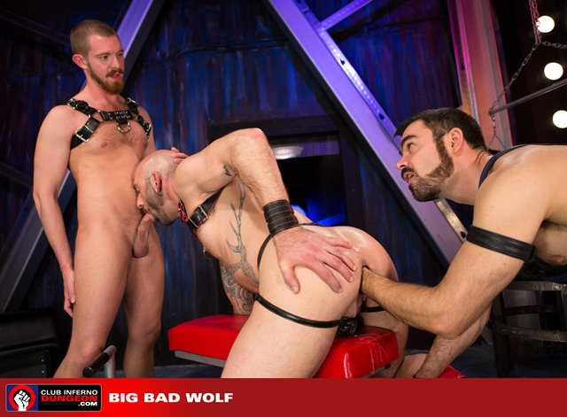 Club-Inferno-Drew-Sebastian-rides-giant-bullet-shaped-butt-plug-Jordan-Foster-fist-ass-fucks-008-male-tube-red-tube-gallery-photo