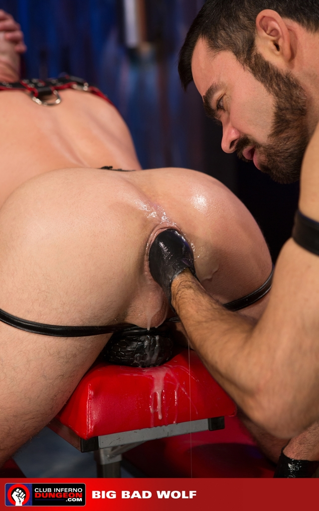 Club-Inferno-Drew-Sebastian-rides-giant-bullet-shaped-butt-plug-Jordan-Foster-fist-ass-fucks-011-male-tube-red-tube-gallery-photo