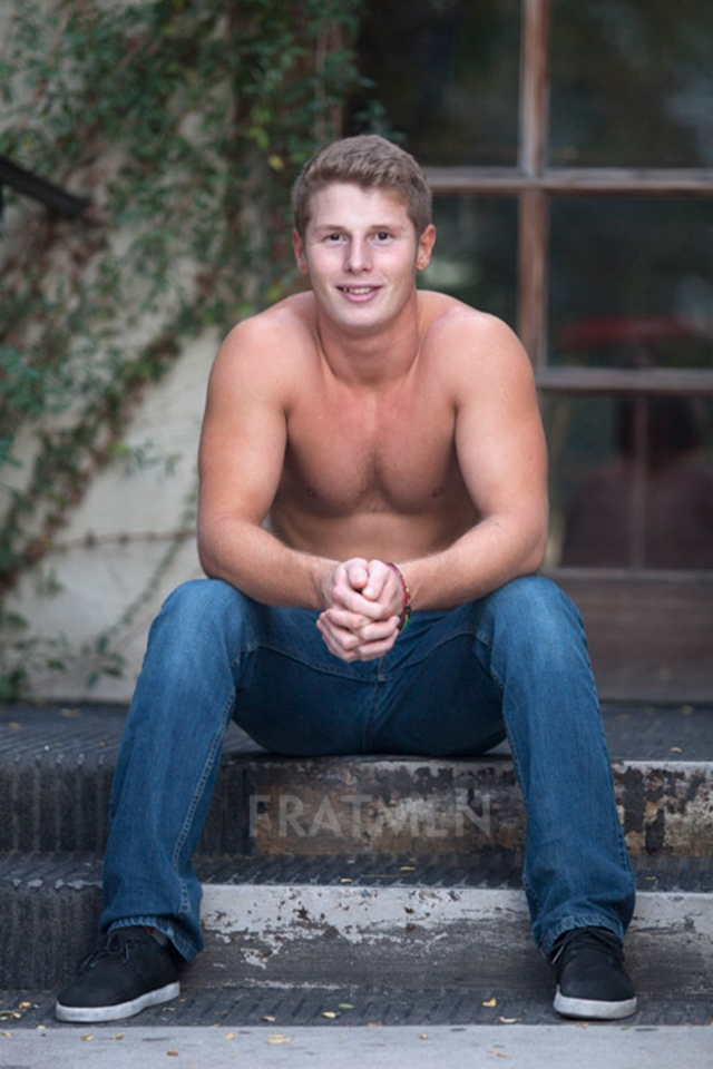 Fratmen-Bo-FRATPAD-Fratguy-Fratboy-red-blond-boy-next-door-ripped-muscle-stud-003-male-tube-red-tube-gallery-photo