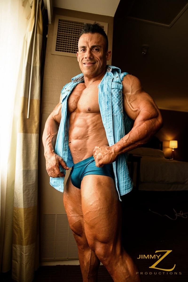 JimmyZProductions-Markus-Ranger-oil-flexes-huge-pecs-huge-biceps-thong-shredded-glutes-world-class-bodybuilder-005-nude-men-tube-redtube-gallery-photo