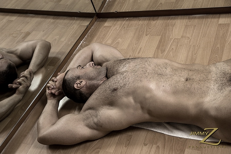 JimmyZProductions-european-older-mature-nude-bodybuilder-Italy-beefy-guy-sexy-torso-hard-muscles-workout-gym-006-tube-download-torrent-gallery-photo