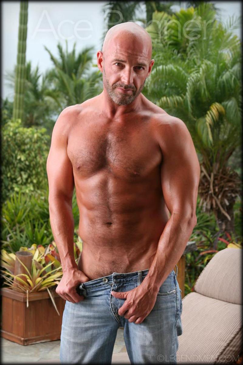 LegendMen-shaved-head-muscled-bodybuilder-Ace-Banner-strips-naked-masturbates-big-muscle-dick-hard-erect-003-male-tube-red-tube-gallery-photo