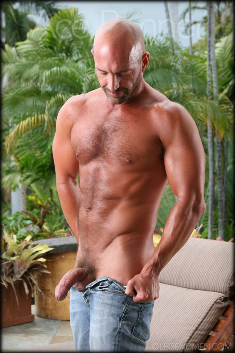 LegendMen-shaved-head-muscled-bodybuilder-Ace-Banner-strips-naked-masturbates-big-muscle-dick-hard-erect-006-male-tube-red-tube-gallery-photo