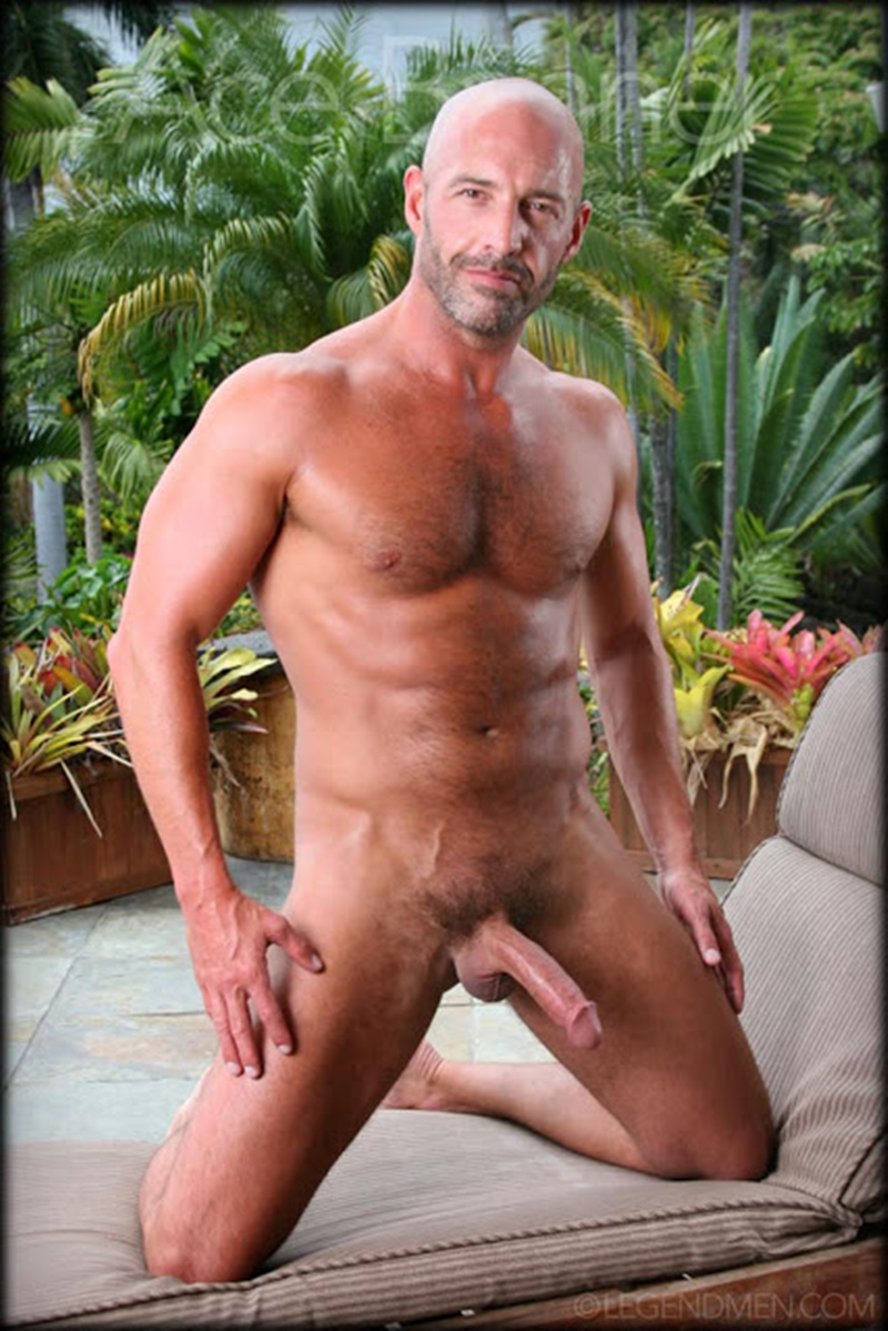 LegendMen-shaved-head-muscled-bodybuilder-Ace-Banner-strips-naked-masturbates-big-muscle-dick-hard-erect-008-male-tube-red-tube-gallery-photo