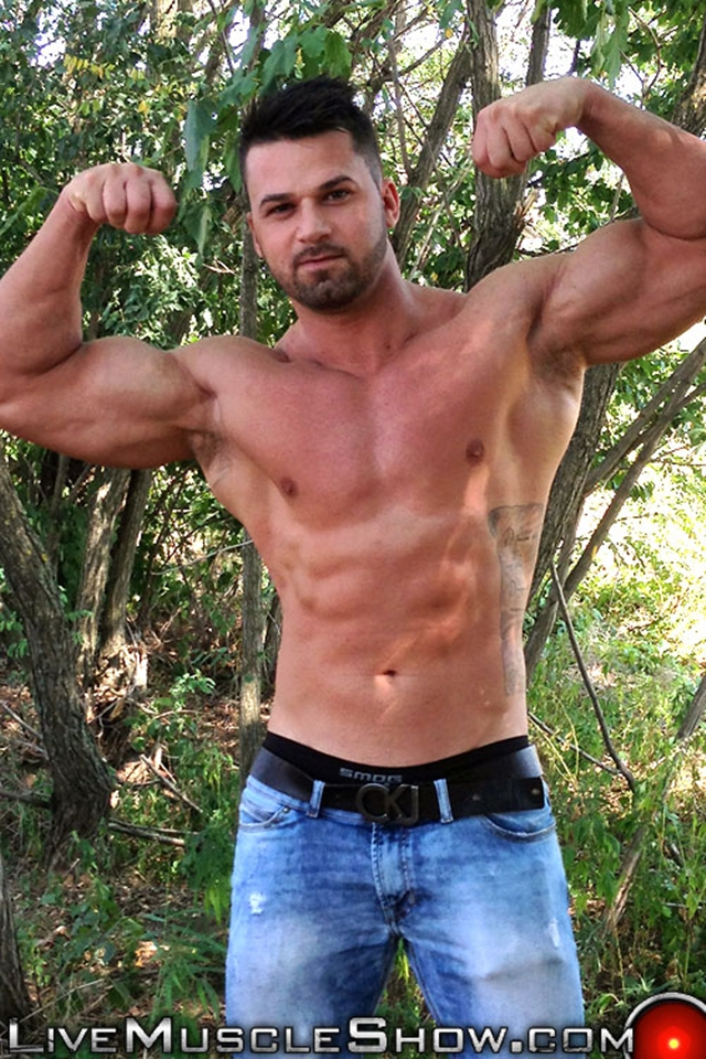 Live-Muscle-Show-Clark-Lewis-athletic-masculine-ripped-abs-muscle-nude-bodybuilder-broad-hairy-chest-003-male-tube-red-tube-gallery-photo