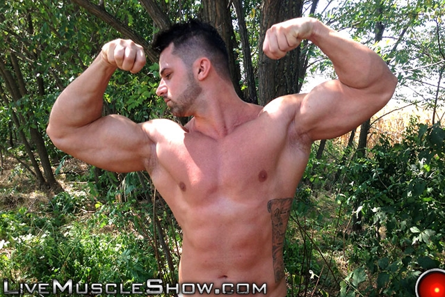 Live-Muscle-Show-Clark-Lewis-athletic-masculine-ripped-abs-muscle-nude-bodybuilder-broad-hairy-chest-004-male-tube-red-tube-gallery-photo