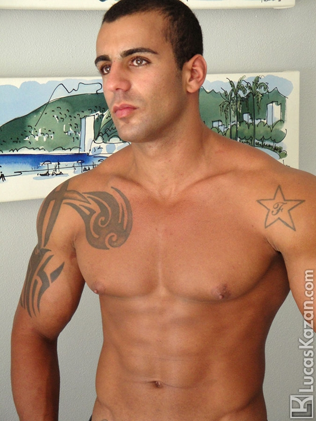 Lucas-Kazan-tattoo-22-years-old-Gabriele-broad-shoulders-pecs-chiseled-sixpack-rock-hard-body-beach-jock-005-male-tube-red-tube-gallery-photo