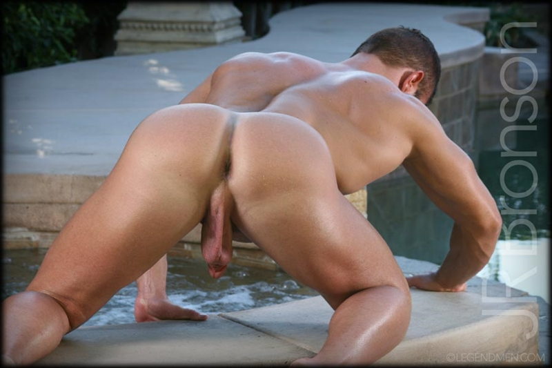 Hairy ass muscled men showing their ass