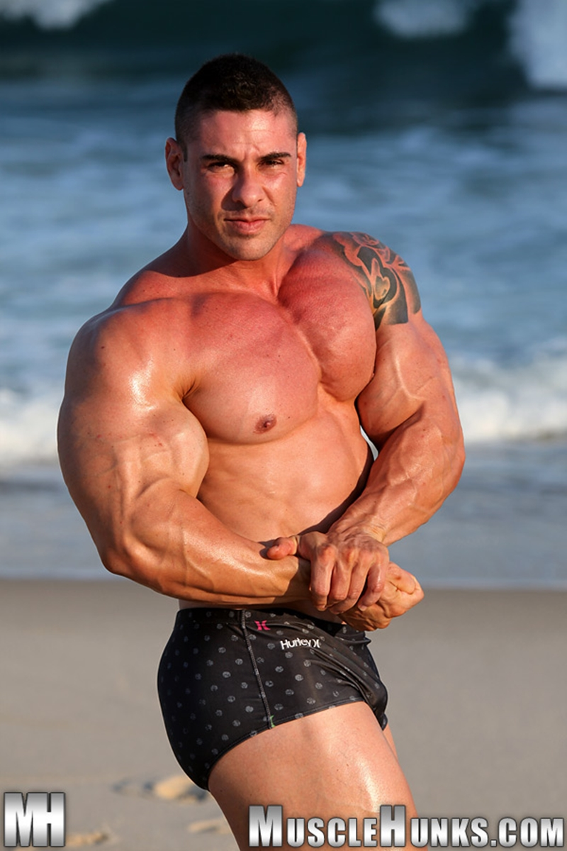 MuscleHunks-Huge-muscled-naked-bodybuilder-Brian-Gunns-g-string-Tattoo-oiled-muscular-torso-underwear-big-bubble-butt-meaty-ass-cheeks-002-tube-download-torrent-gallery-photo