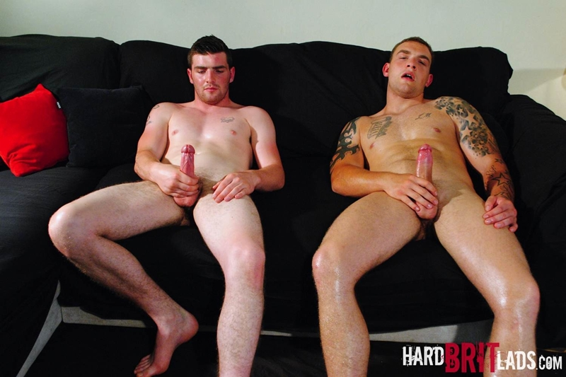 HardBritLads-Big-beefy-Lee-Andrews-Sean-Andrews-jerk-off-built-muscular-brother-bodybuilding-shoots-huge-thick-jizz-explosive-cumshots-010-tube-download-torrent-gallery-photo