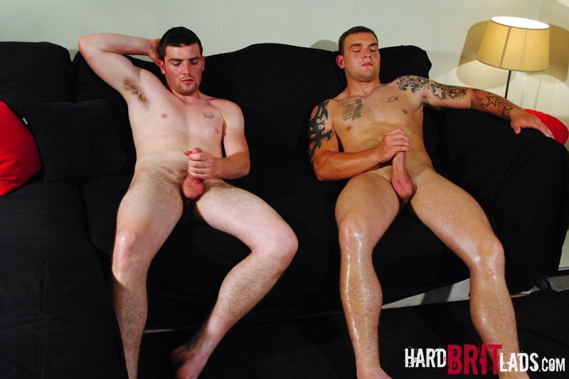 HardBritLads-Big-beefy-Lee-Andrews-Sean-Andrews-jerk-off-built-muscular-brother-bodybuilding-shoots-huge-thick-jizz-explosive-cumshots-016-tube-download-torrent-gallery-photo