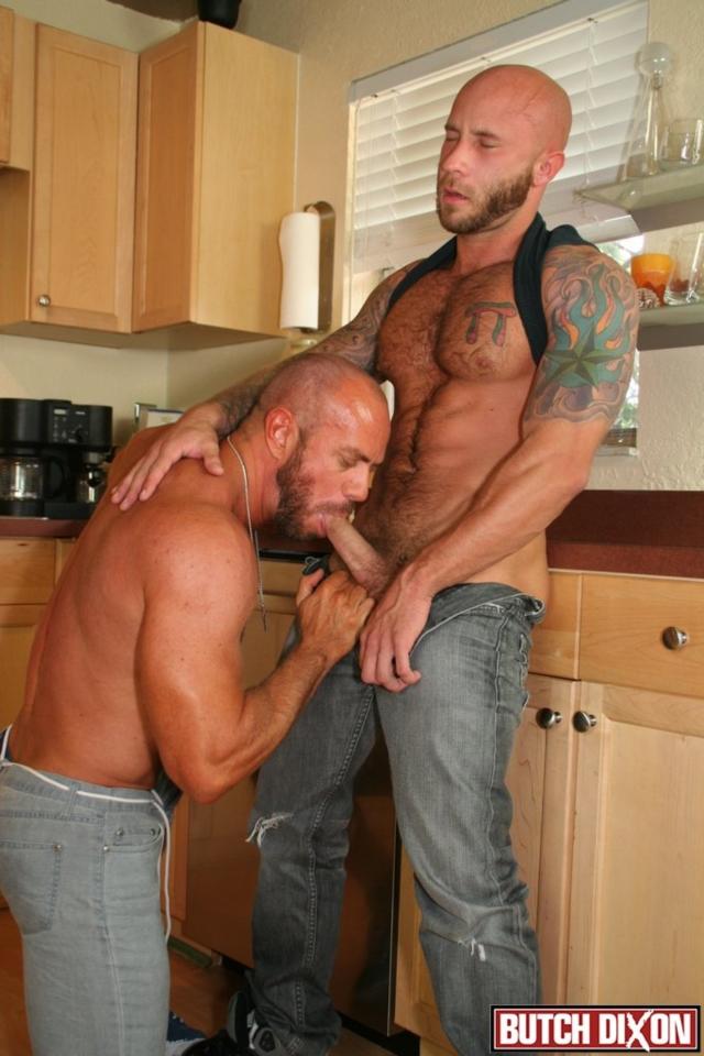 Daddy matt stevens takes huge dildo in gape 5