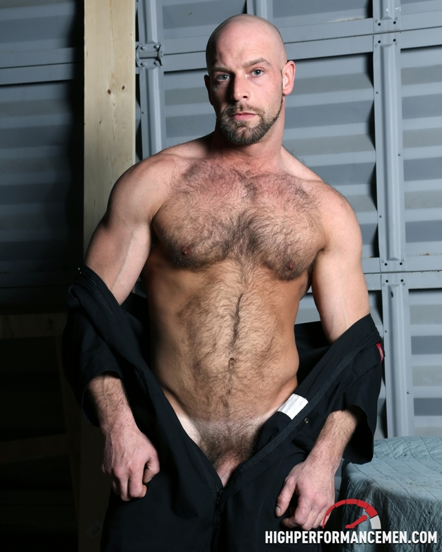 Hairy muscle body Dirk Willis strokes his fat cock at High Performance Men
