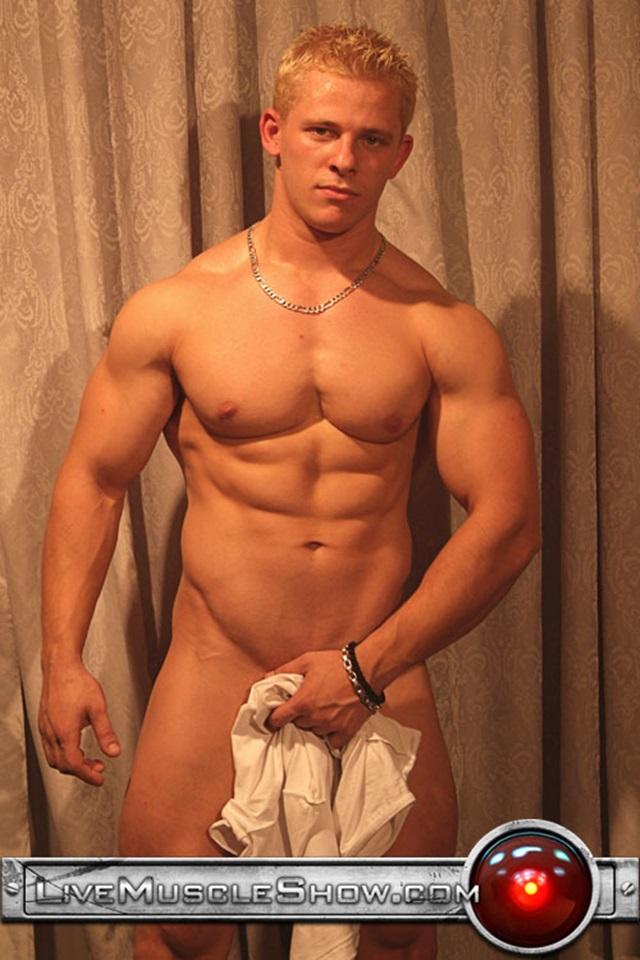 new deli hose wife bath nude photo