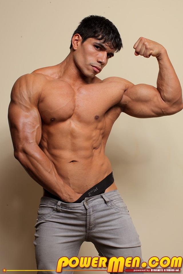 Powermen-muscle-bodybuilder-naked-hunk-Tommy-Rockets1