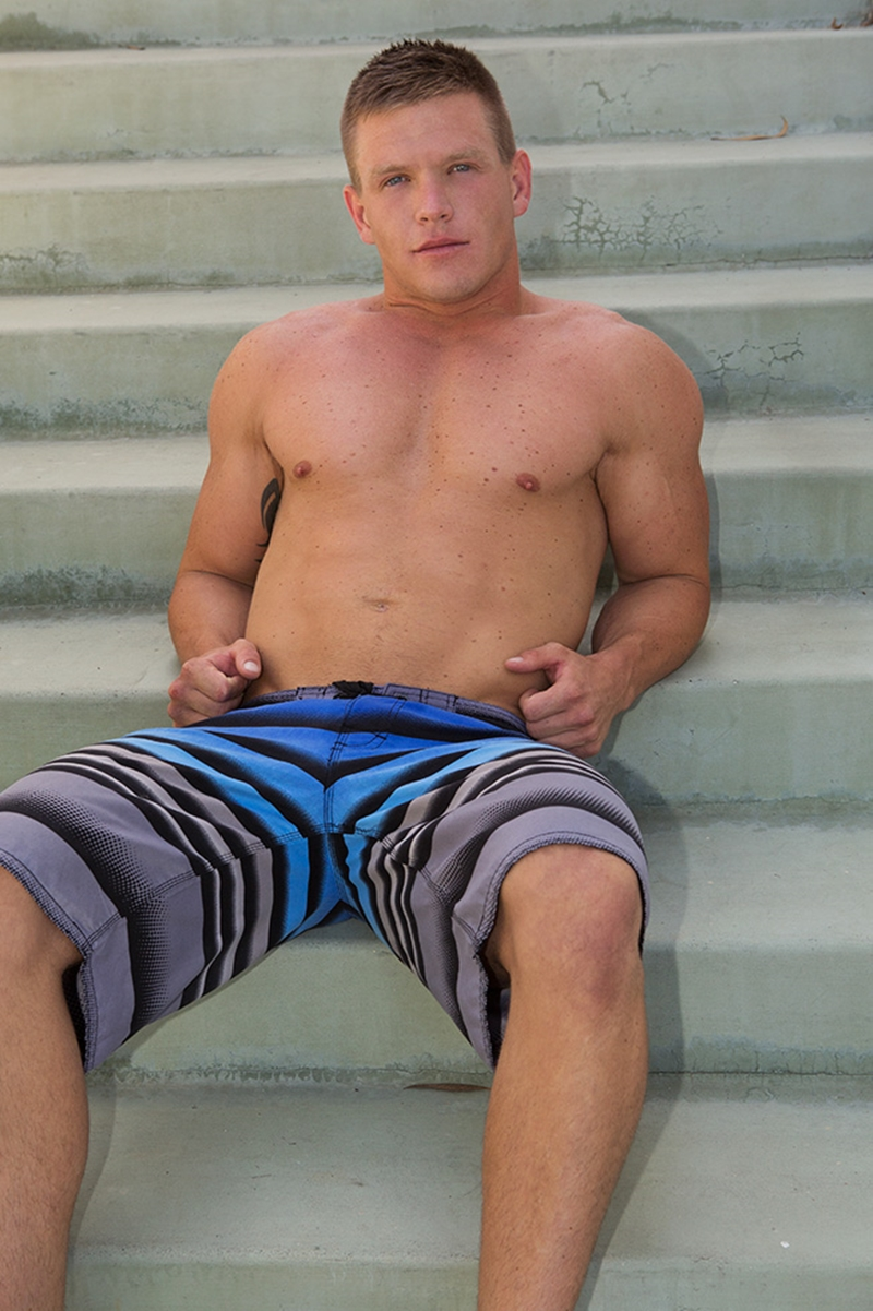 SeanCody-Tattooed-freckled-muscle-stud-muscular-body-Rusty-big-dick-ass-cheeks-straight-man-ass-hole-003-tube-download-torrent-gallery-sexpics-photo