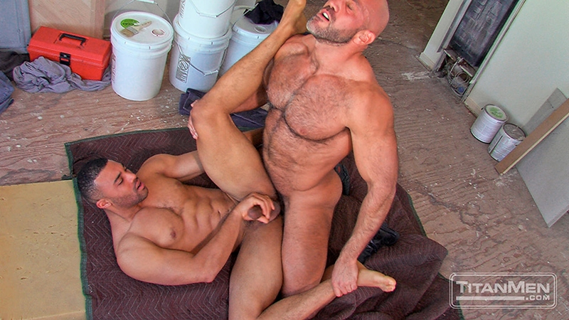 TitanMen-Jesse-Jackman-Jay-Bentley-big-cock-sucking-pubes-cocksucker-smooth-ass-bottom-fucked-top-pecs-hairy-chest-010-tube-download-torrent-gallery-sexpics-photo