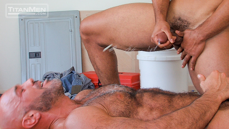 TitanMen-Jesse-Jackman-Jay-Bentley-big-cock-sucking-pubes-cocksucker-smooth-ass-bottom-fucked-top-pecs-hairy-chest-017-tube-download-torrent-gallery-sexpics-photo