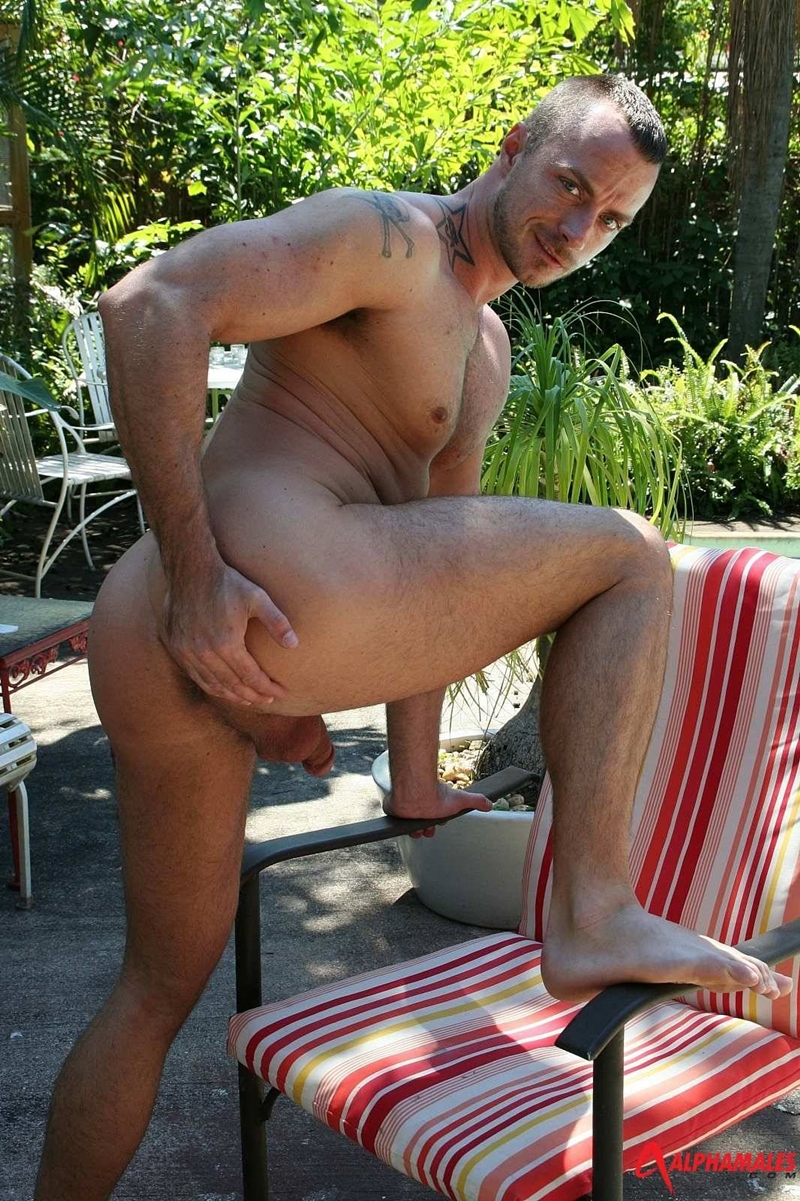 alphamales  Jessie Colter beach bum bottom boy