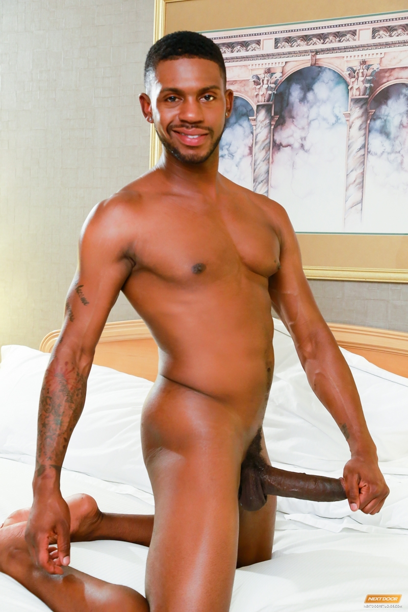 naked thick black guy