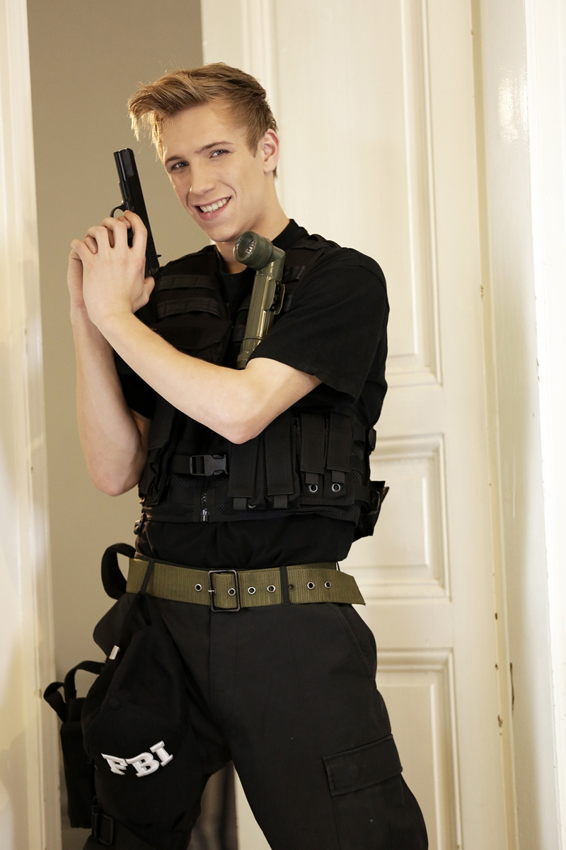Staxus-Eric-Franke-police-officers-Sven-Laarson-Andy-Fisher-blond-beautiful-guy-hand-cuffs-young-boy-fuck-hole-jerk-off-006-tube-video-gay-porn-gallery-sexpics-photo