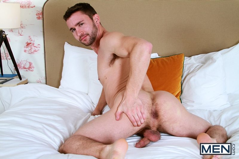 Colt Rivers chokes on Colt Callaghan's big ginger dick ...