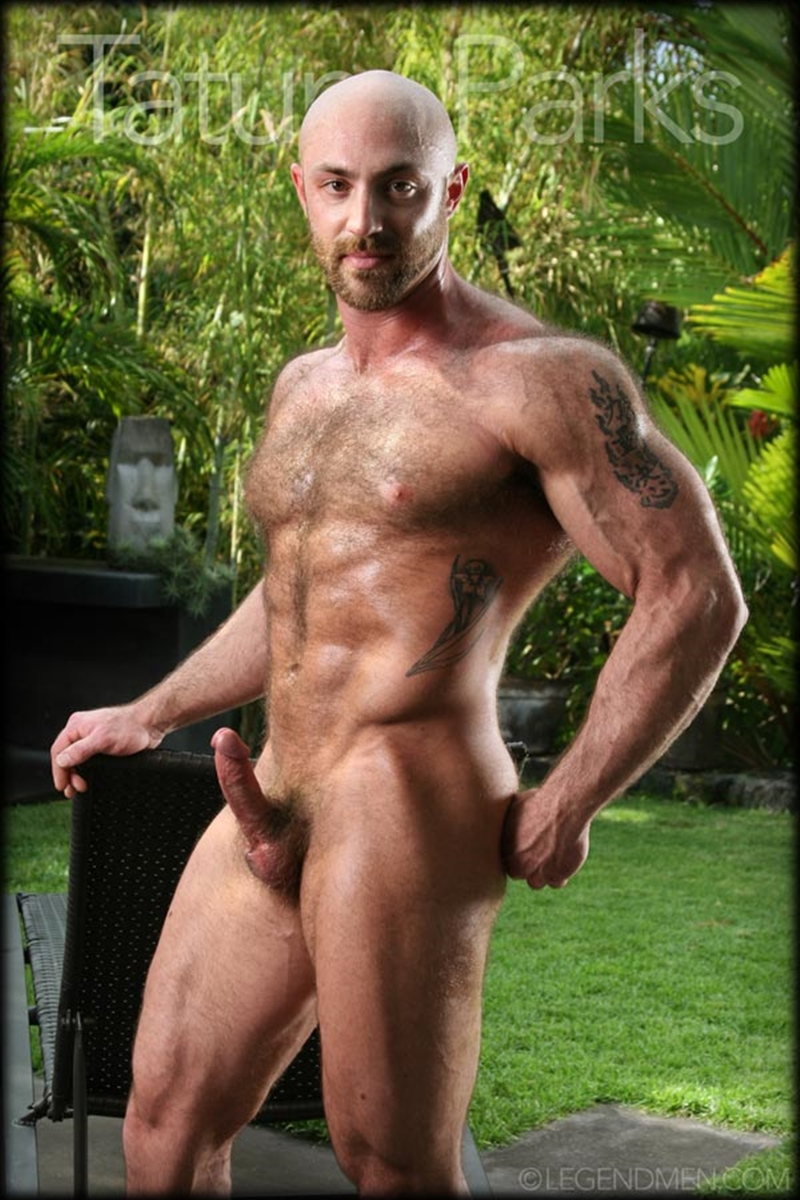 guys men picture naked Muscled gay bodybuilder
