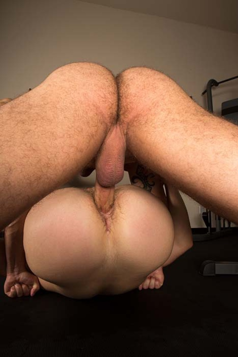 SeanCody-ripped-muscled-stud-Brodie-bareback-fucks-Brendan-big-erect-uncut-dick-bubble-butt-ass-cheeks-man-hole-muscle-cum-013-gay-sex-porno-porn-pics-gallery-photo