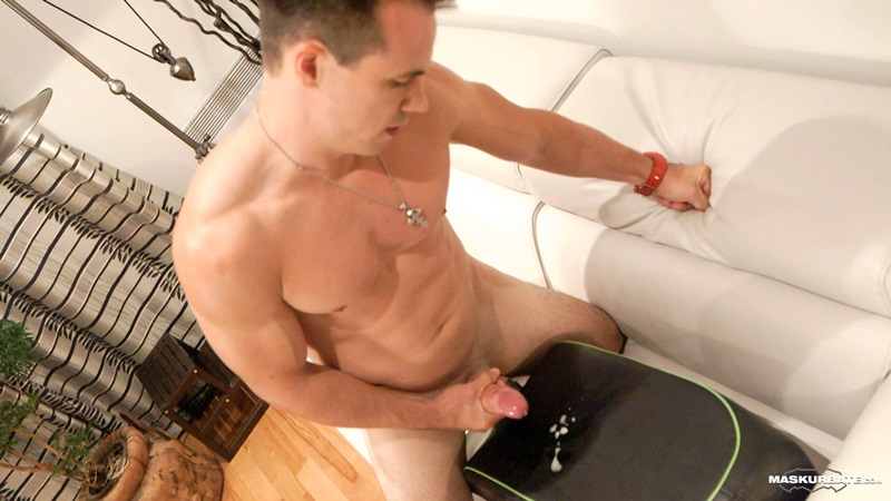 Married Young Jock Ricky Gets His First Man On Man Blowjob -3572