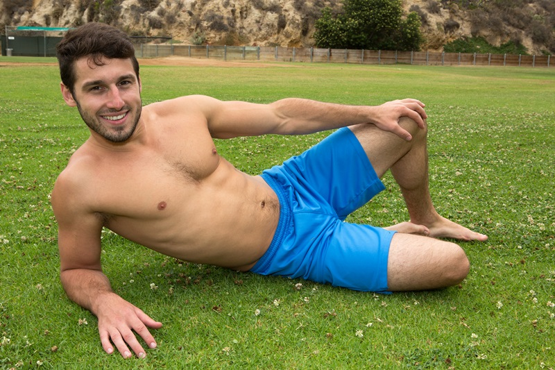SeanCody-Sexy-young-bearded-muscle-stud-Coty-good-looking-guy-thick-cock-hairy-bubble-ass-cheeks-orgasm-jerks-blows-cumload-furry-abs-01-gay-porn-star-sex-video-gallery-photo