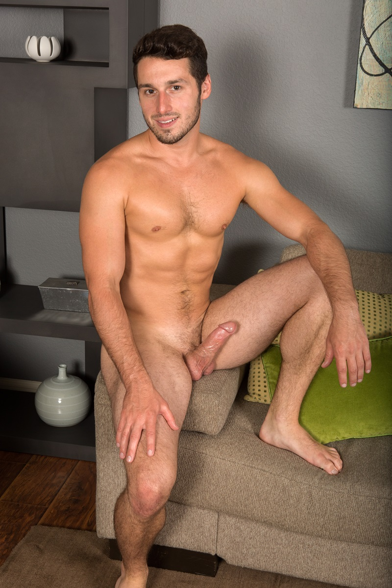 SeanCody-Sexy-young-bearded-muscle-stud-Coty-good-looking-guy-thick-cock-hairy-bubble-ass-cheeks-orgasm-jerks-blows-cumload-furry-abs-02-gay-porn-star-sex-video-gallery-photo