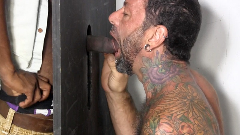 StraightFraternity-straight-ebony-hunk-blackdick-Joey-horny-men-blowjob-deep-throat-big-black-cock-gloryhole-sucking-cocksucker-04-gay-porn-star-sex-video-gallery-photo