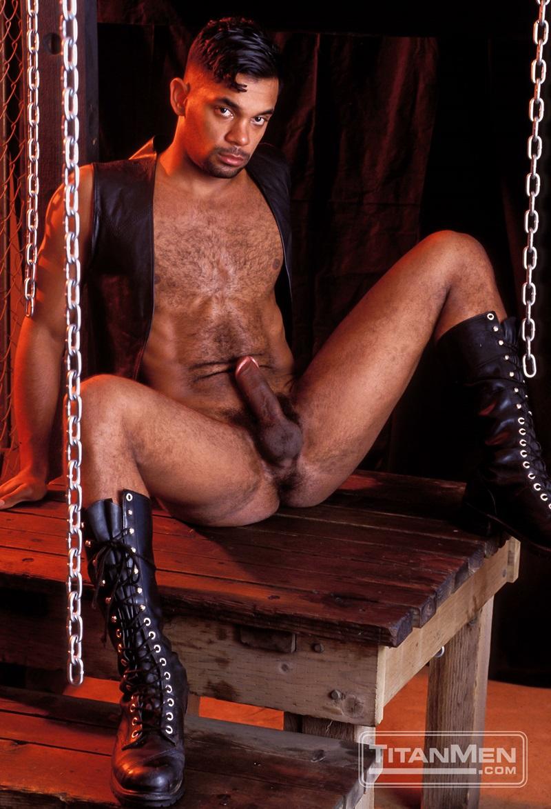 TitanMen-Austin-Masters-Bronn-Douglas-Damon-Page-Jackson-Reid-Jay-Black-Jim-Buck-Kyle-Brandon-Mike-Roberts-Ric-Hunter-Steve-Cannon-04-gay-porn-star-sex-video-gallery-photo