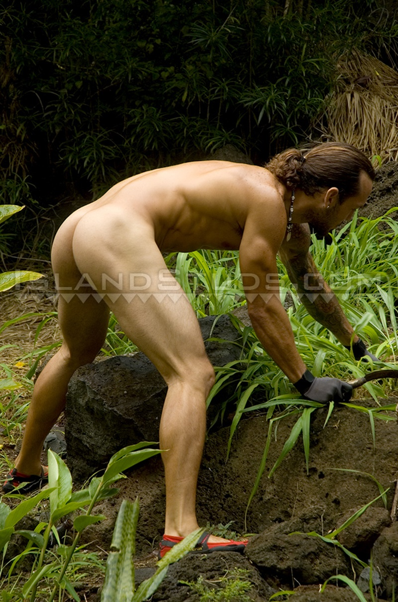 Hairy Chested Latino Hunk Jerks His Thick Uncut Venezuelan -8653