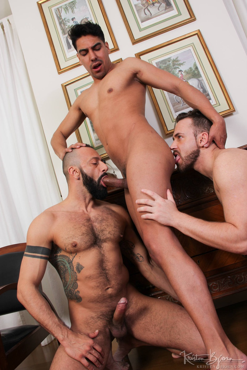 kristenbjorn-naked-big-muscle-men-salvador-mendoza-alberto-esposito-logan-moorehuge-thick-european-uncut-dicks-anal-rimming-raw-fucking-016-gay-porn-sex-gallery-pics-video-photo
