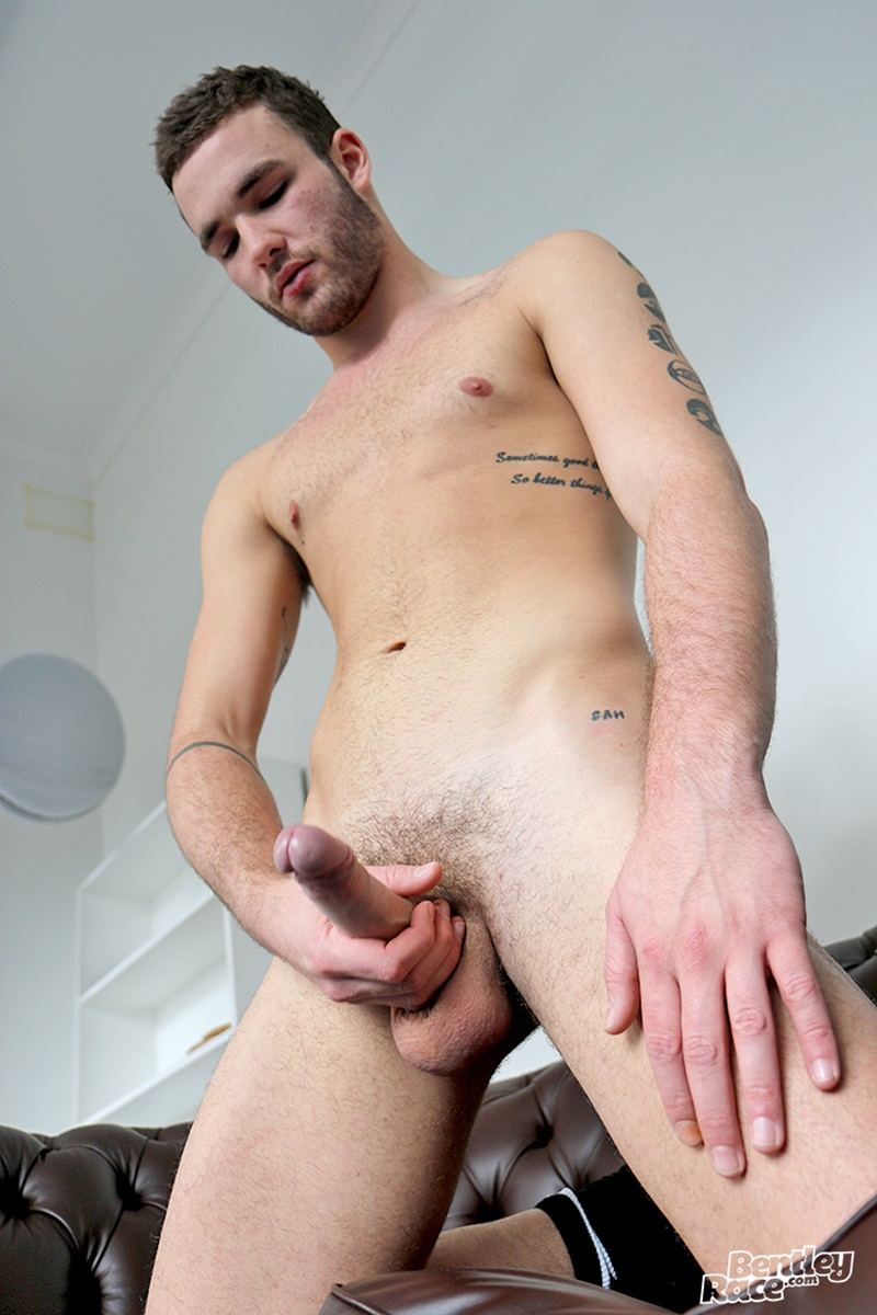bentleyrace-sexy-naked-aussie-dude-boy-socks-sneakers-ben-hart-smooth-bubble-butt-big-thick-dick-ass-rimming-anal-assplay-cocksucker-022-gay-porn-sex-gallery-pics-video-photo
