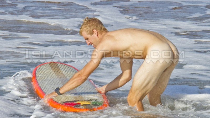 IslandStuds-sexy-naked-dude-Nyles-athletic-body-white-surfer-bubble-butt-jerks-big-dick-doggy-style-low-hanging-balls-001-gay-porn-sex-gallery-pics-video-photo