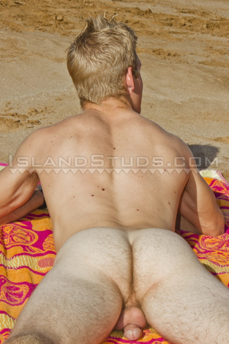 islandstuds-sexy-naked-dude-nyles-athletic-body-white-surfer-bubble-butt-jerks-big-dick-doggy-style-low-hanging-balls-009-gay-porn-sex-gallery-pics-video-photo