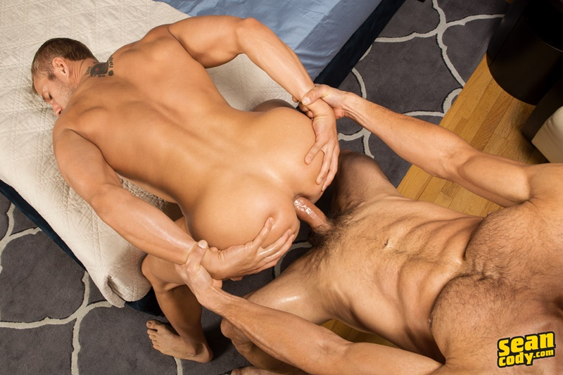 seancody-sean-cody-frankie-blake-bareback-anal-fucking-big-thick-long-large-dick-bare-raw-barebacking-anal-rimming-cocksucker-021-gay-porn-sex-gallery-pics-video-photo