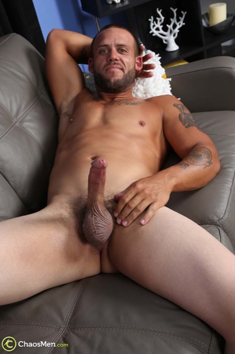 chaosmen-straight-beard-nude-dude-rough-construction-worker-kendrick-jerks-huge-8-inch-dick-tattoo-big-muscle-hunk-wanking-006-gay-porn-sex-gallery-pics-video-photo